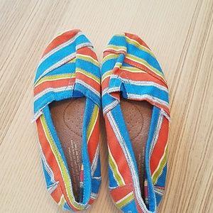 TOMS W shoes size 7
